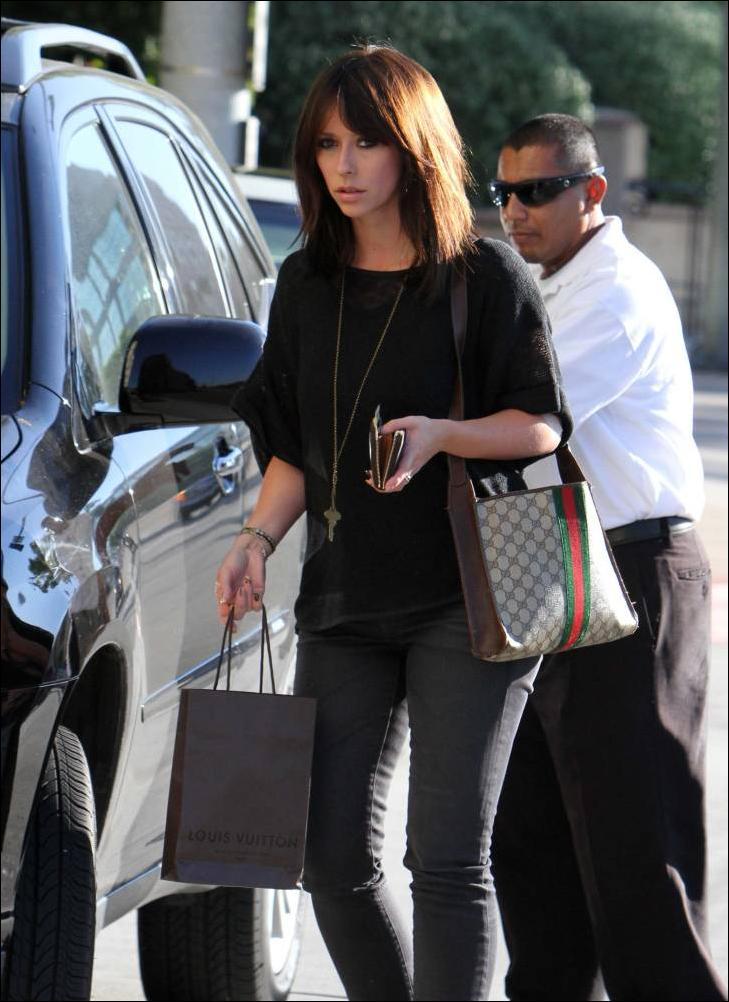 Quelques courses Louis Vuitton pour Jennifer LH 31016910